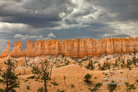 Bryce Canyon National Park, Fairyland Loop Trail, hoodoos, light, illuminates,  UT, Utah