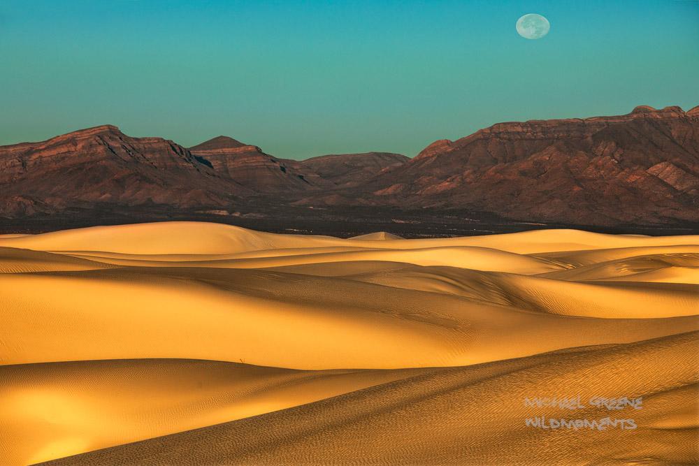 Desert, White Sands National Park, New Mexico, NM, Alomogordo, NM, golden, dunes, peaks, full moon, Tularosa Basin , photo