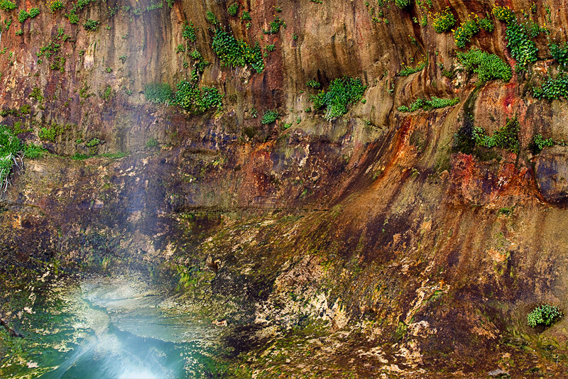 Calf Creek Falls, moss, rock, desert varnish, desert, colors, riparian, UT, Grand Staircase Escalante National Monument, photo