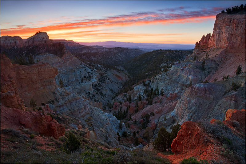 Bryce Canyon National Park, UT, Utah, light, sunrise, awesome, best light, view, cliff, colorful , photo